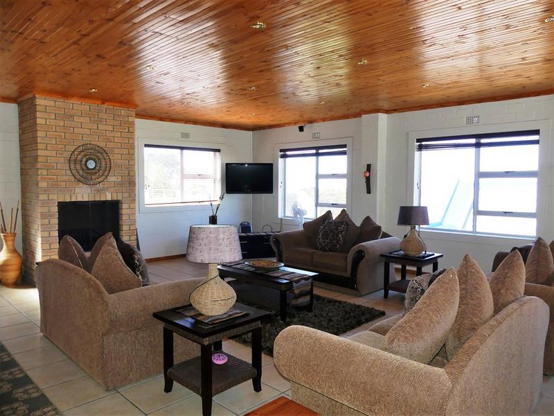 Property For Sale in Kleinkoornhuis, St Helena Bay 14