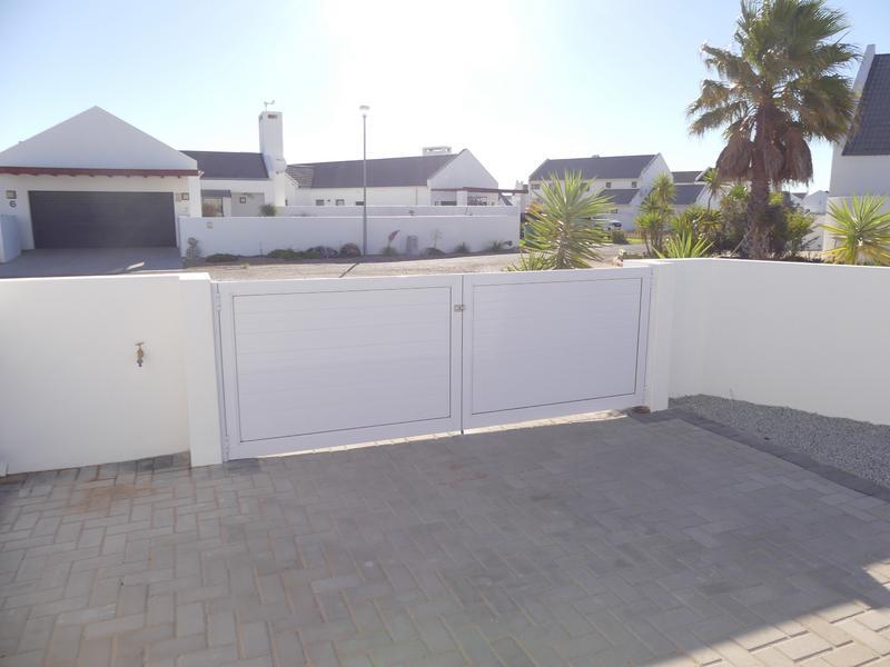 Property For Sale in Golden Mile, Britannia Bay 27