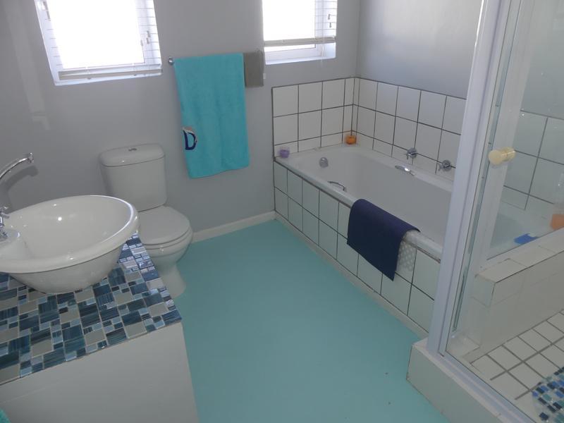 Property For Sale in Lampiesbaai, St Helena Bay 15