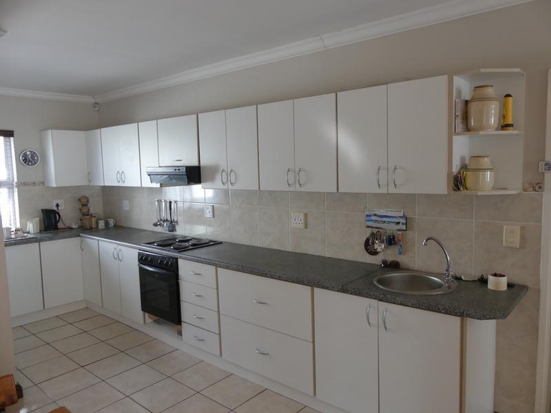 Property For Sale in Golden Mile, Britannia Bay 11