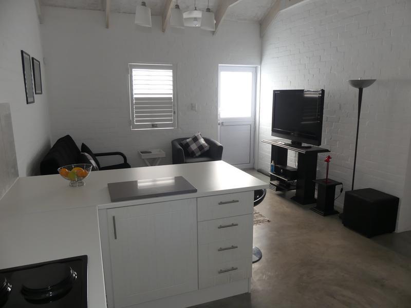 Property For Rent in Golden Mile, Britannia Bay 8