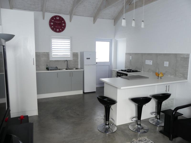 Property For Rent in Golden Mile, Britannia Bay 5