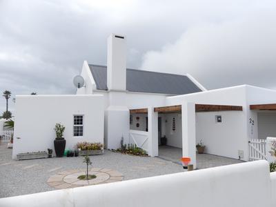 House For Sale in Lampiesbaai, St Helena Bay